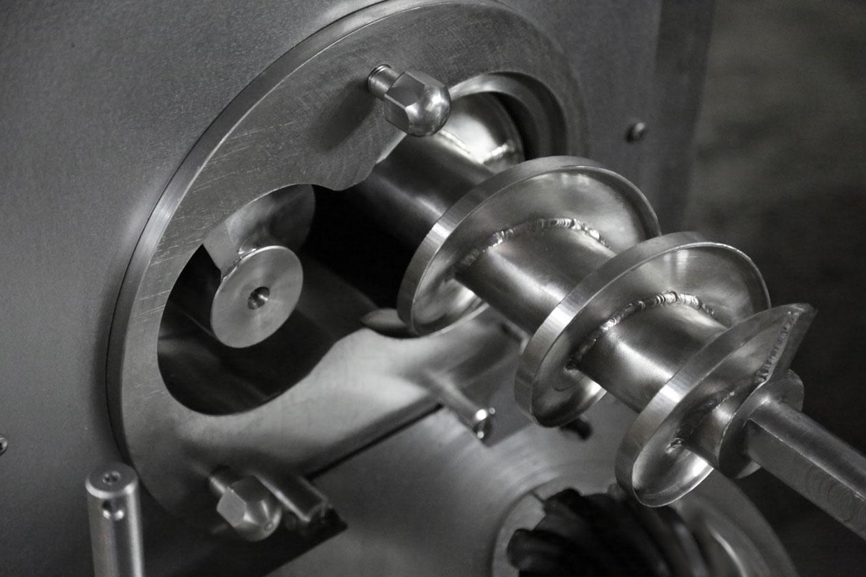 DVAK-V-160-otkryt-gorlovina