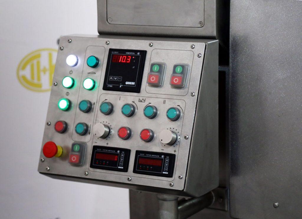 пульт управления мешалкой с двумя частотными регуляторами